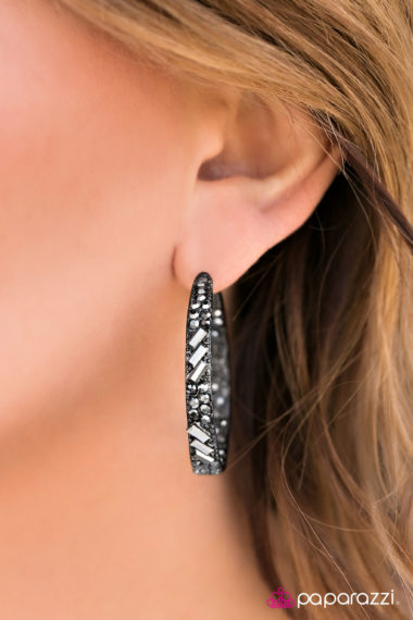 Glitzy-by-Association-Black $5 earrings
